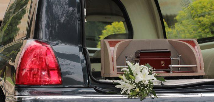 Chauffeur lijkwagen omgekomen in Duitsland