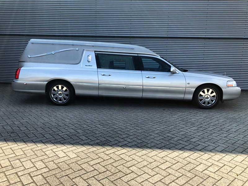 Te Koop Lincoln Town Car S S Begrafenisauto Bouwjaar 2004