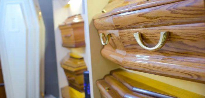 Tekort aan hout voor grafkisten in Los Angeles